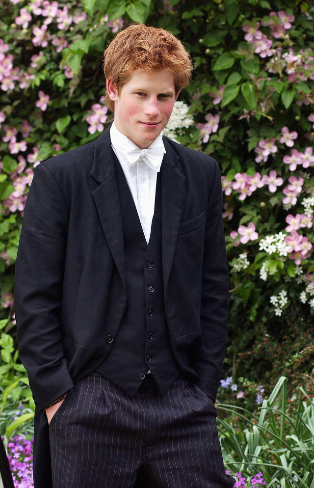 33歳を迎えるイギリス王室ヘンリー王子、波乱の半生をプレイ